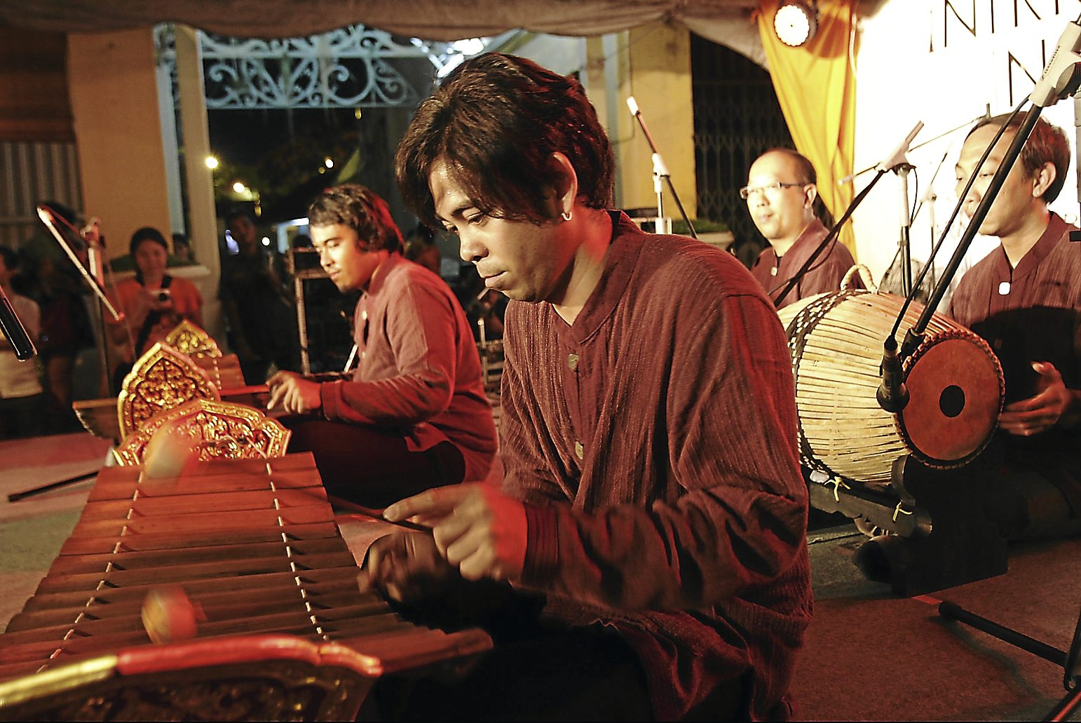 Xxxxxxxx: Thailand's Korphai Group performing at the Intriguing Instruments showcase.