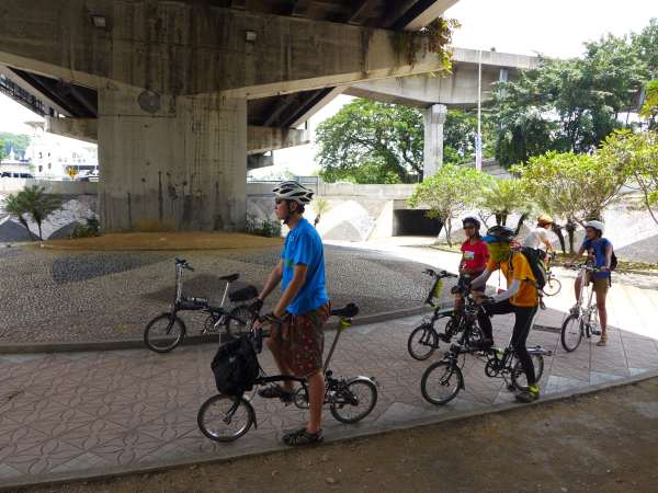 The roundabout near KL's Central Market actually has a special below ground mini roundabout for cyclists - but it's half-forgotten and poorly maintained.