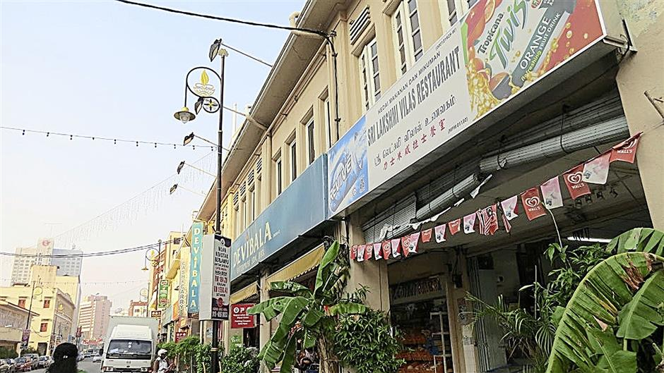 One end of Jalan Bendahara  is most famous for being Malacca's 'Little India'.