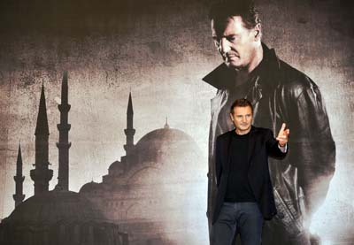 Liam Neeson before a press conference to promote the Taken 2 in Seoul, South Korea. This 60-year-old actor keeps fit by power-walk ing eight to 16km a day.