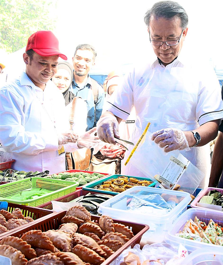 Launch of Bazar Ramadan at Taman Tasik Permaisuri, Bandar Tun Razak.