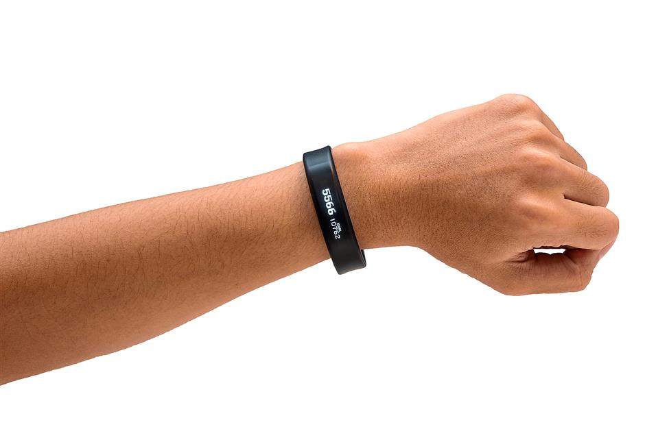 The Garmin Vivosmart comes in two sizes to fit different wrist sizes.