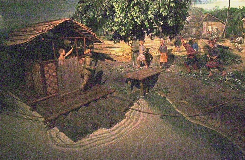 A diorama depicting Birch's assassination at the Historical Time Tunnel of the Pasir Salak Historical Complex.