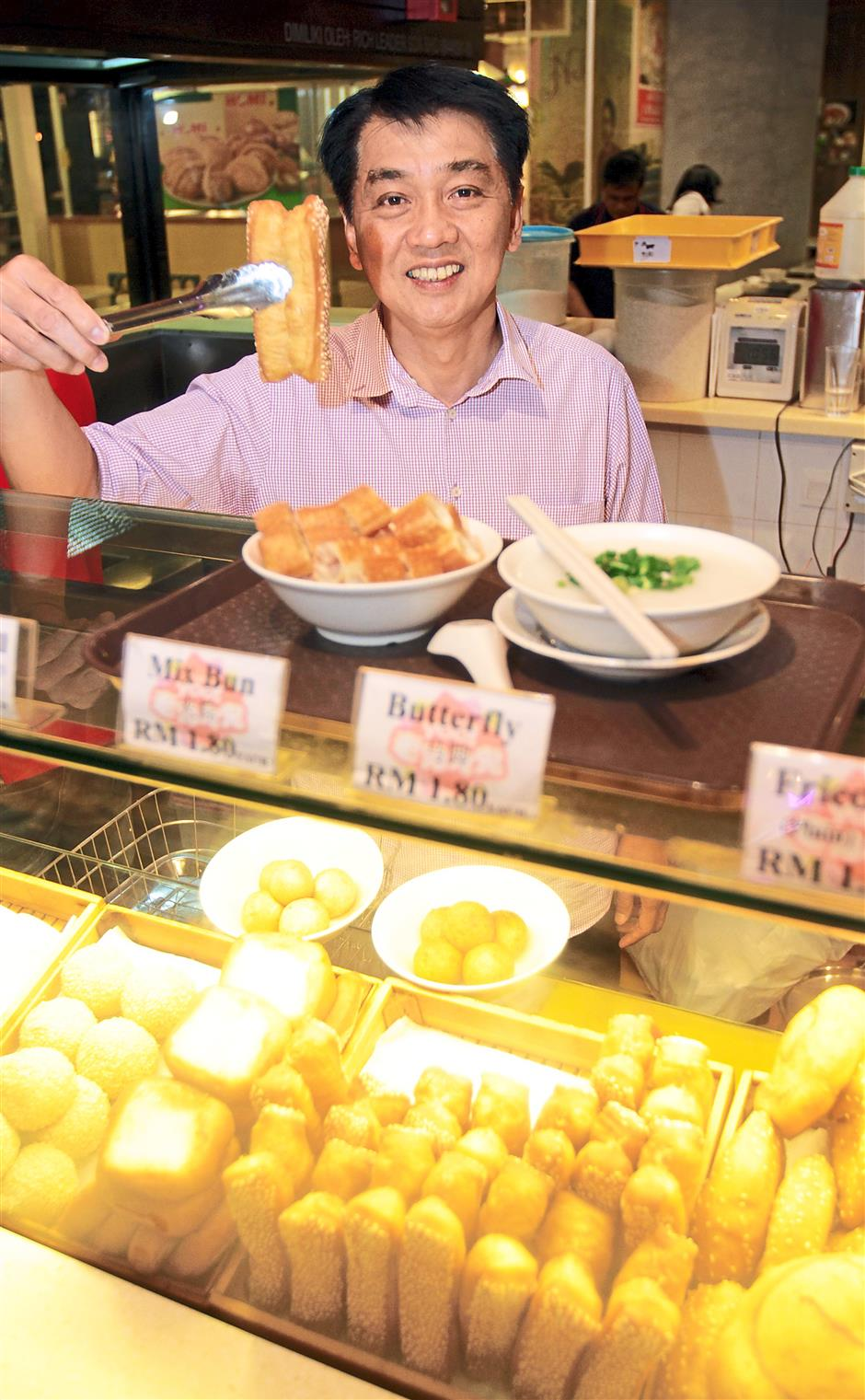 I Love Yoo co-founder and managing director Jeffrey Leong jumped at the chance of bringing fried street snacks into a comfortable environment with their first outlet in Pavilion KL.