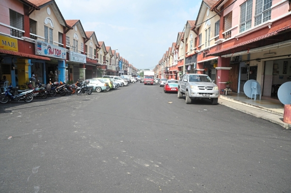 Among the roads that have been repaved is a 560m stretch in Taman Putra Budiman, Balakong.