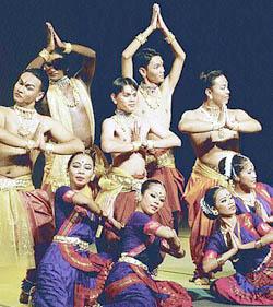 p15Bharatanatyam