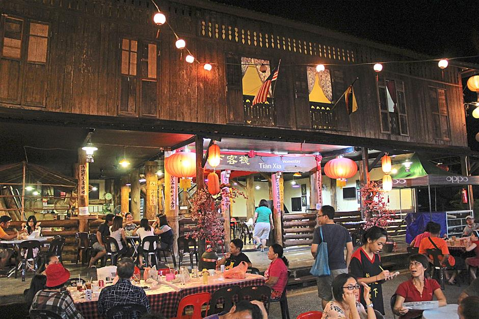 The Tian Xia homestay / boutique hotel at Siniawan. It has 20 rooms and can be almost fully booked over the weekends when the pasar malam are held.