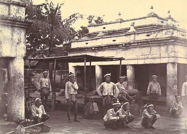 "The King's bodyguards after the third Anglo-Burmese war. Thant Myint-U's 'The Making of Modern Burma"" details how the British colonisers wiped the Burmese elite out."