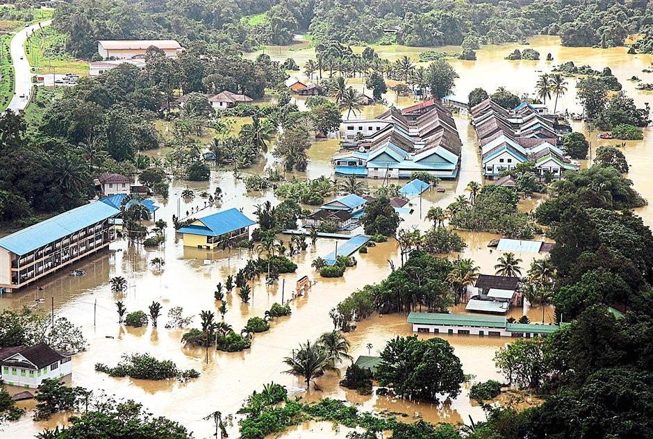 Siniawan town flooding during the mid 2000s.