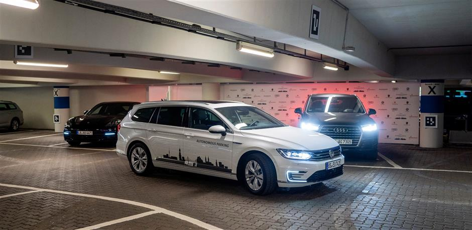 HANDOUT - Hamburg Airport is one of a number of locations where autonomous valet parking is being trialled. Photo: Volkswagen AG/dpa - ATTENTION: editorial use only in connection with the aforementioned text