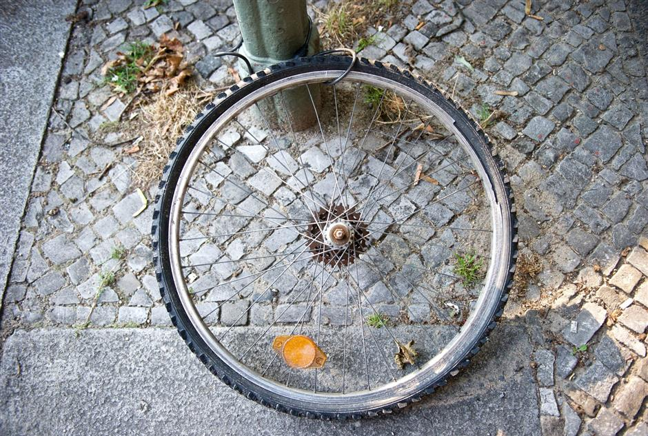 FILED - Cyclists are increasingly using GPS trackers to recover bikes after being stolen. Photo: Daniel Naupold/dpa