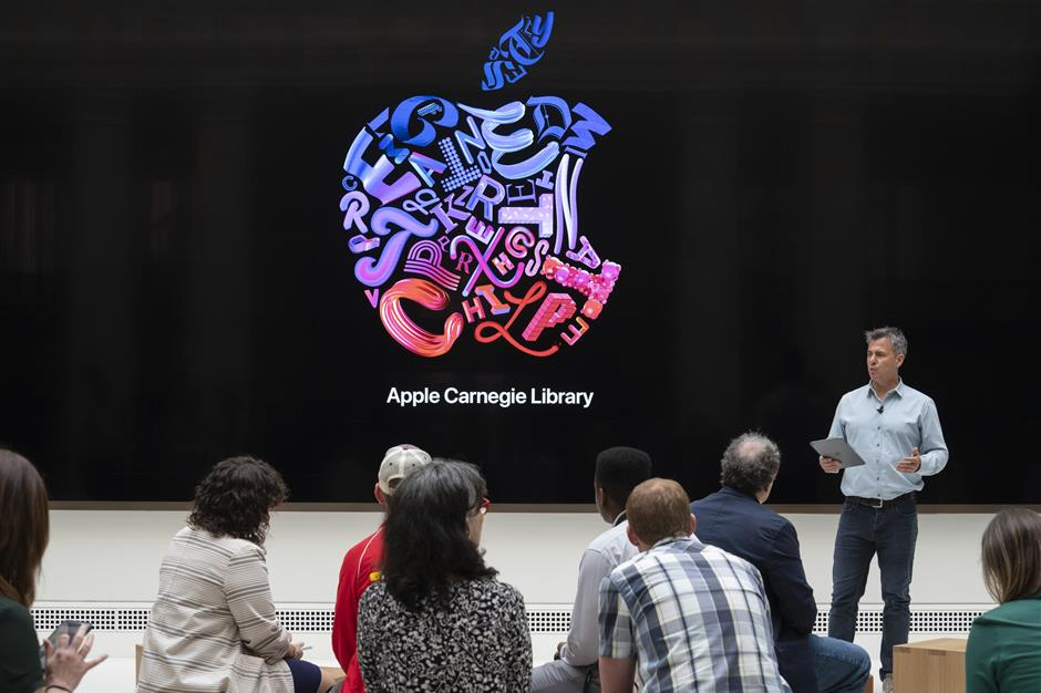 Chris Braithwaite, senior director of retail and design for Apple Inc., speaks during a presentation at the Apple Carnegie Library flagship store in Washington, D.C., U.S., on Thursday, May 9, 2019. This is Apple's most extensive historic restoration project to date, restoring and revitalizing the Beaux-Arts style building once home to Washington, D.C.'s Central Public Library. Photographer: Melissa Lyttle/Bloomberg