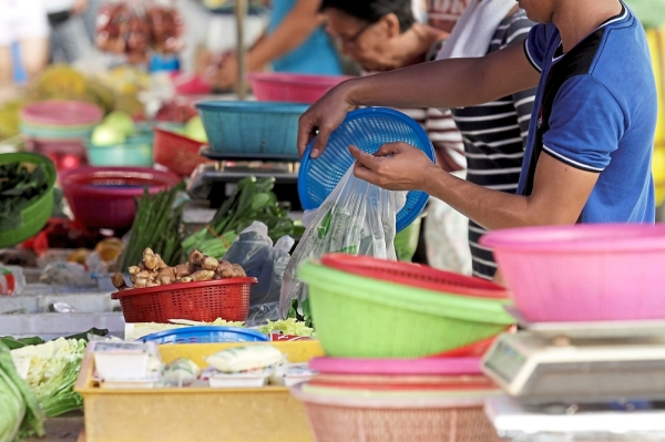 Although required to use biodegradable plastics, many traders in Kuala Lumpur say they are too expensive.