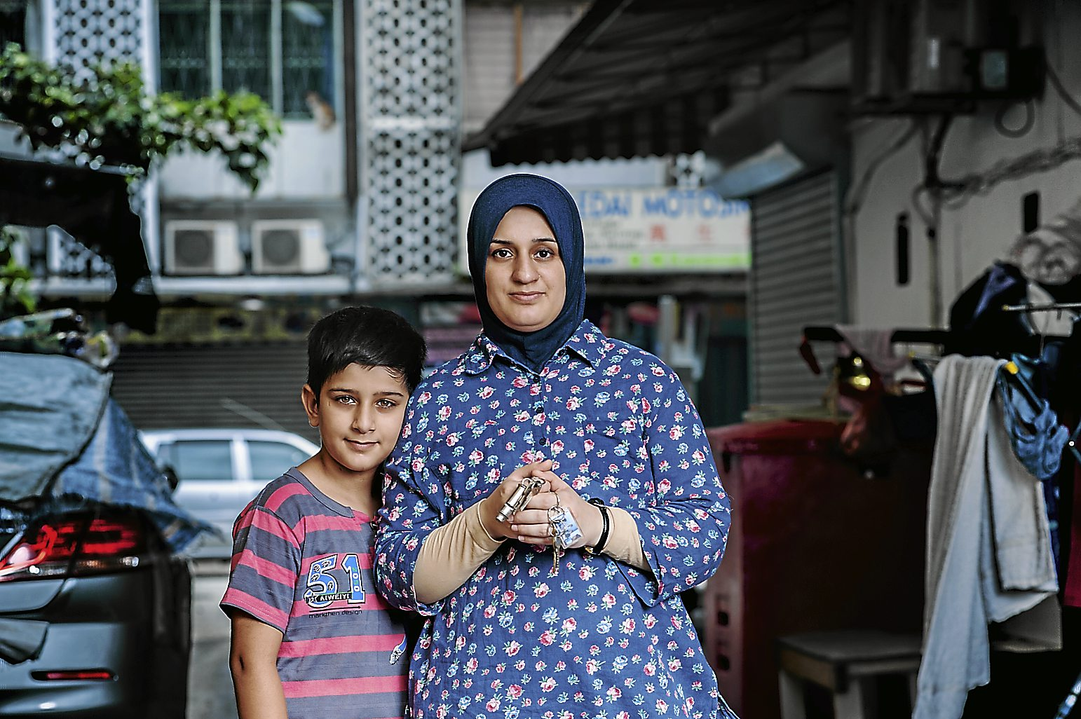 When 36-year-old Shaima fled from Iraq with her husband and four children, she took took with her many practical and valuable items including important documents and education records. But she sheepishly showed her set of car keys and house keys as her most prized possessions.â؟؟I know itâ؟؟s stupid. My car is stolen by now, my house is looted and seized by the authorities. It is no longer my house. But I couldnâ؟؟t help taking these keys,â؟ she said. â؟؟They remind me of my life, the life I want to go back to.â؟؟I desperately want to go home again, and to go back to my old life,â؟ said Shaima who thinks often of her family in Iraq, and wishes to see them again. They had a comfortable life working in the corporate sector before troubles began for them in Iraq and they were forced to flee. â؟؟I want to start a new life in safety. My husband has diabetes and I want to be somewhere where he can get proper treatment. And I want my children to get the education they need to succeed in this new society,â؟ sai