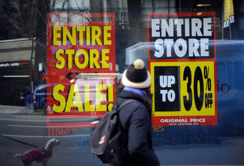 Large US retailers are slashing their earnings forecasts on Thursday because of steep discounts offered during the holiday season to coax reluctant customers - AFP Photo.