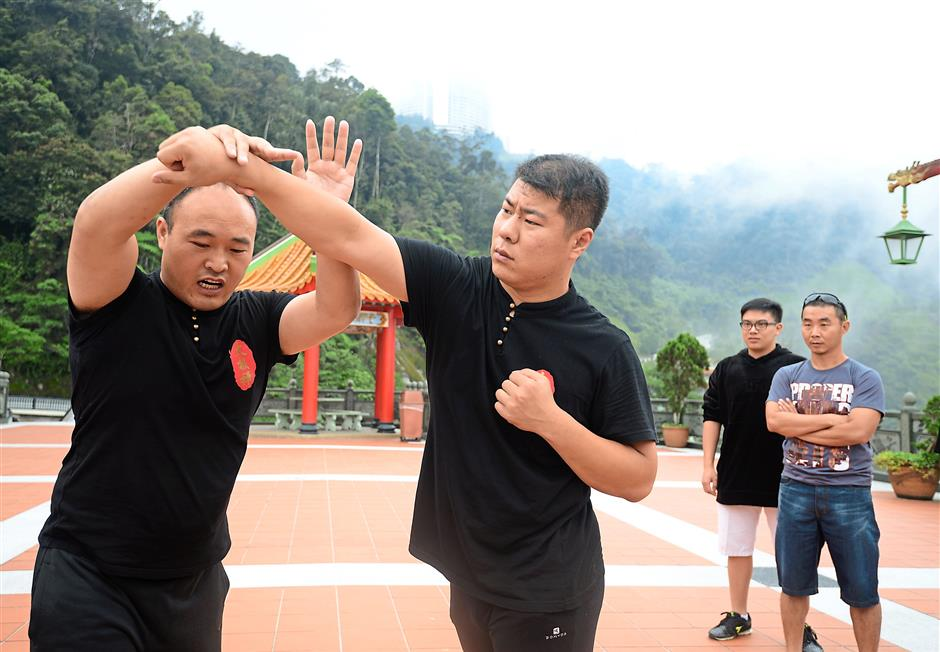 Li Tianjin showing how moves from Chen-style Taiji can be used in self-defence.