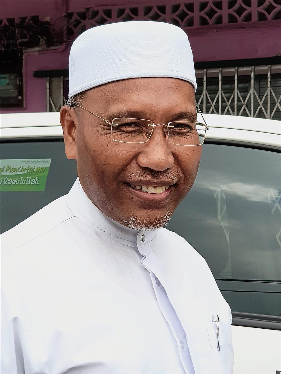 Idris: PAS to damage Amanah by lumping it in the same basket as DAP.