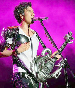 Lee Hom dazzles fans | The Star Online