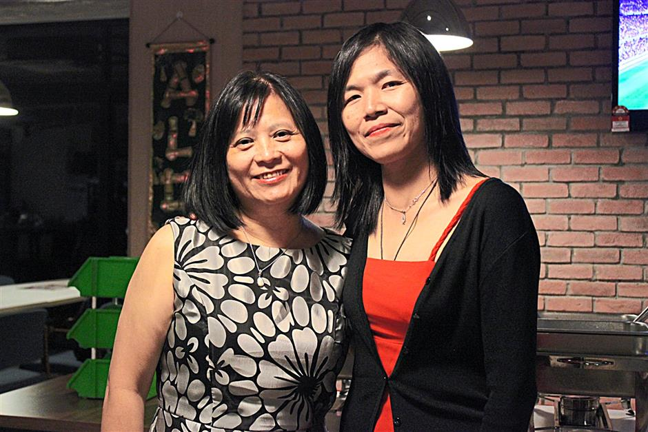 (left) Advocate for the deaf Lucy Lim and sign language linguistics expert Ho Koon Wei. (pix for StarEducate feature, please do not reuse).