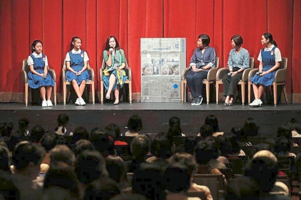 (From left) Student actresses Wang Ziyi and Foong, Lianhe Zaobao senior correspondent and moderator Chow Yian Ping, Tang, former principal Tan Wai Lan; and Wong talk about the film during a panel discussion at the premiere. - The Straits Times/Asia News Network