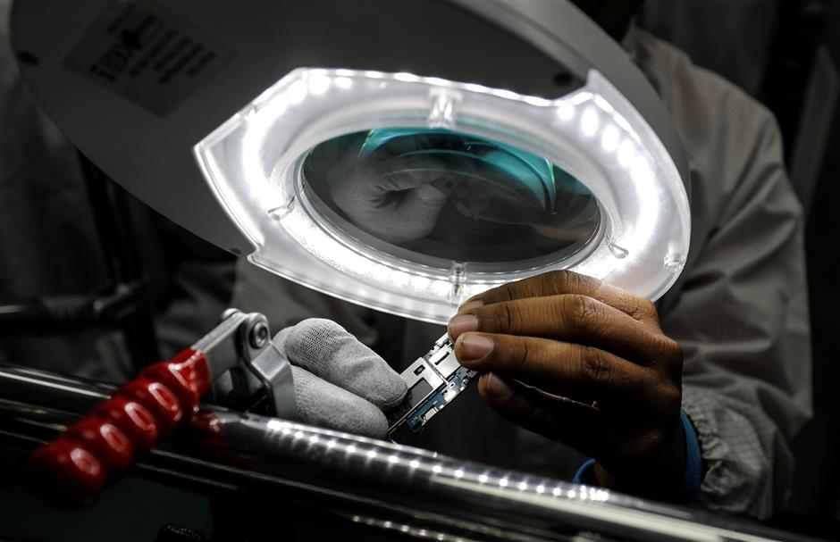 Smartphones emerge as bright spot for Indian manufacturing | The