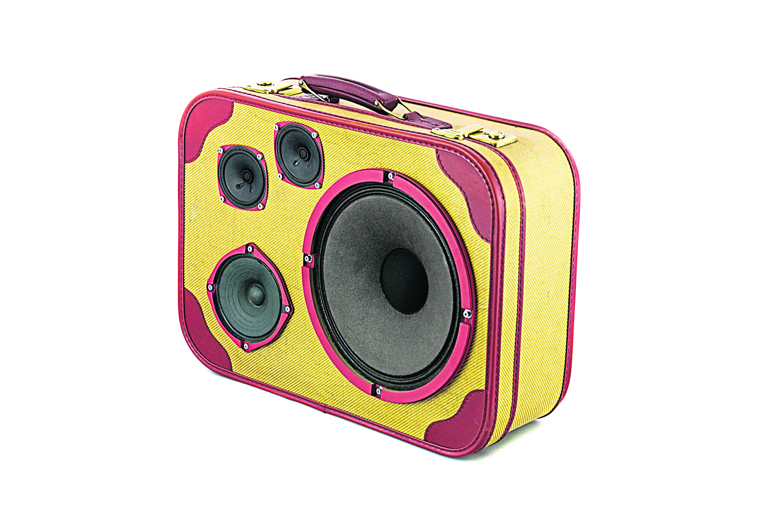 Any piece of old luggage can be recycled into a vintage-chic portable speaker. – AFP