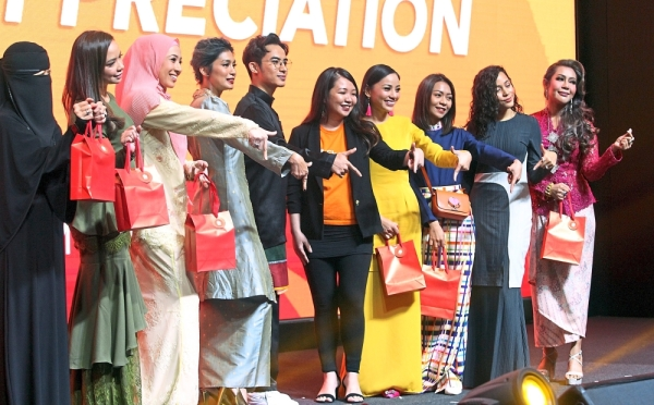 Shopee Malaysia marketing lead (talent management) Rachel Tan (fifth from right) with the Shopee Celebrity Squad.