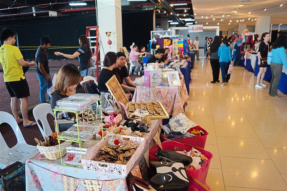 The Live market at the LiveKch at Cityone Megamall