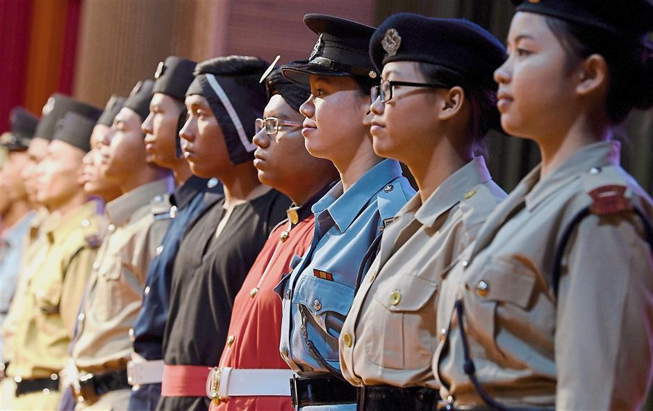 KUALA TERENGGANU, 10 April -- Anggota Polis mengenakan pakaian seragam pasukan sejak zaman dahulu pada Majlis Apresiasi dan Penyampaian Sumbangan Tabung Warisan Polis di Wisma Darul Iman hari ini.-- fotoBERNAMA (2018) HAK CIPTA TERPELIHARA