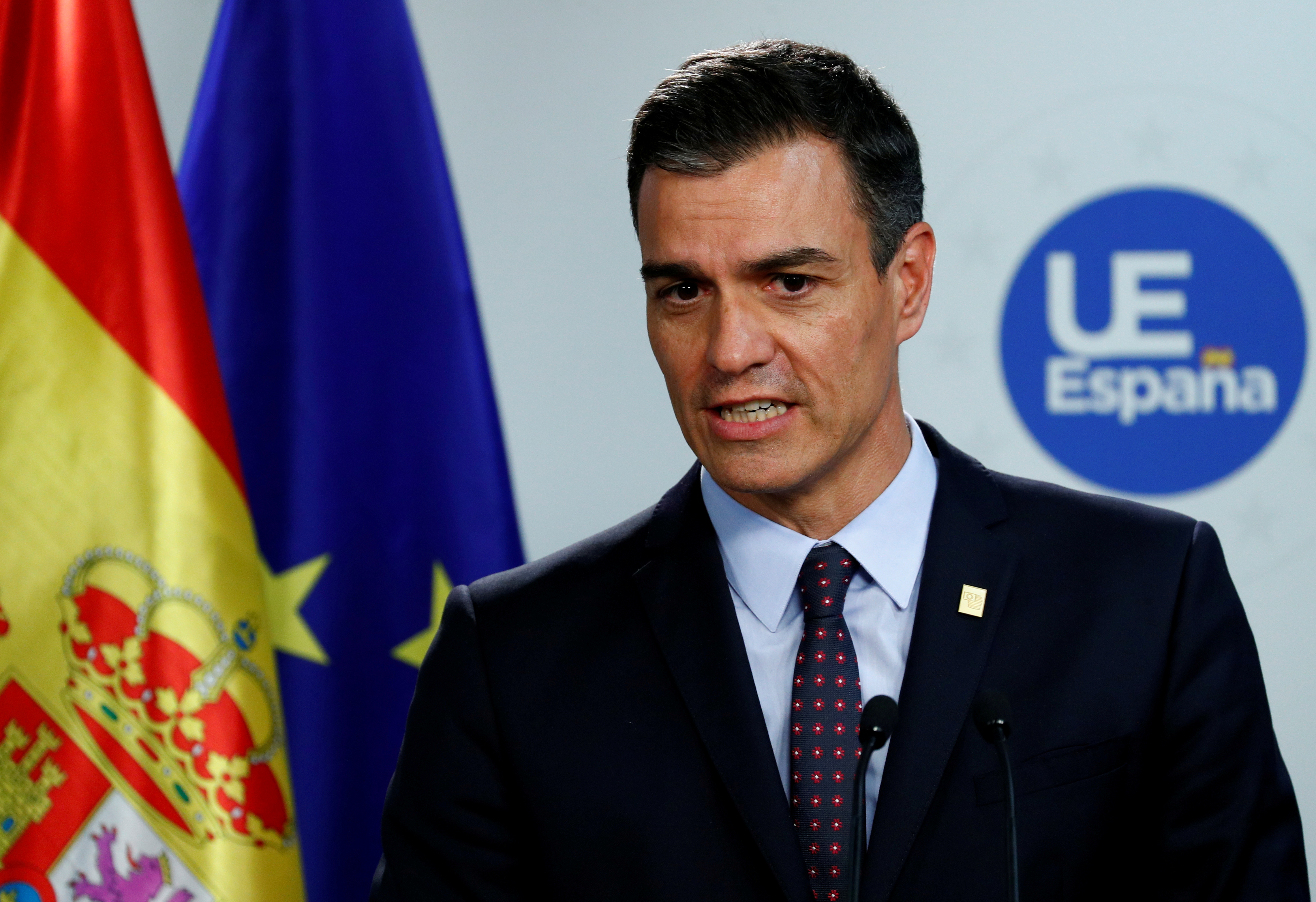FILE PHOTO: Spanish Prime Minister Pedro Sanchez attends a news conference after the European Union leaders summit, in Brussels, Belgium, July 2, 2019. REUTERS/Francois Lenoir/File Photo