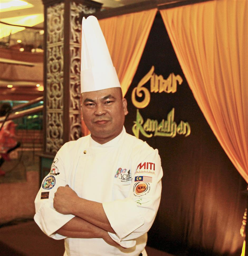 Satya prepares a mix of Asian and Western meals to meet the needs of guests during the fasting month.