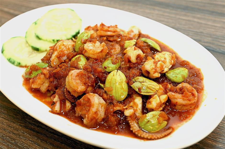 The Sambal Assam with Squid and Prawns has a spicy kick.