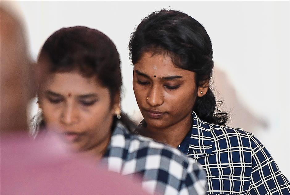KAJANG, 16 Nov -- R Nishalini didakwa di Mahkamah atas pertuduhan mencederakan seorang kanak-kanak lelaki berusia empat tahun Oktober lepas di Mahkamah Majistret Kajang hari ini.--fotoBERNAMA (2017) HAK CIPTA TERPELIHARA