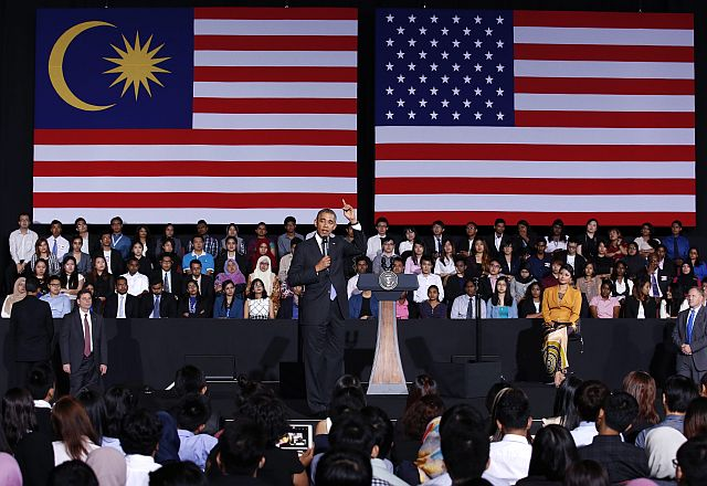 US President Barack Obama answering questions of Asian youth leaders at the Young South East Asian Leaders Initiative Town Hall, at the University of Malaysia, in Kuala Lumpur, Malaysia, 27 April 2014. - EPA