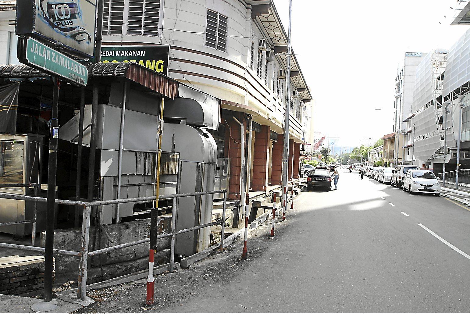 Brief caption: Jalan Zainal Abidin in Penang. (Charles Mariasoosay - 02/07/2013)