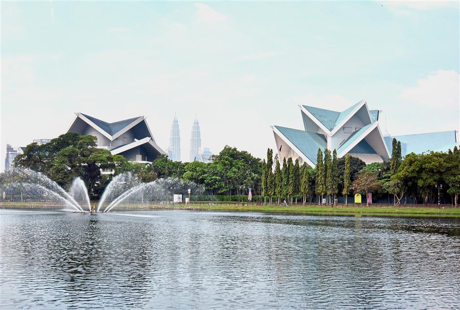 Taman Tasik Titiwangsa - The park is in the heart of the main business district in Kuala Lumpur capital and is frequented by joggers and other city dwellers looking for urban green space.
