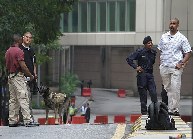 Special security control in front of the Ritz Carlton Hotel, Kuala Lumpur during the US President visit to Malaysia from April 26 until 28, 2014. - FAIHAN GHANI/The Star.