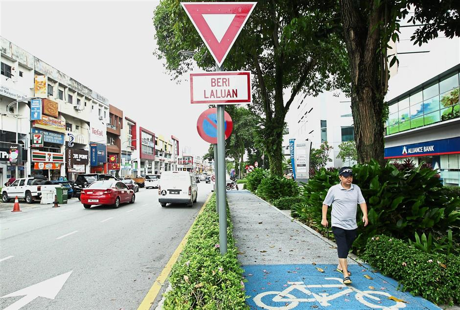 Damansara Utama is popular with locals for its commercial area and restaurants.