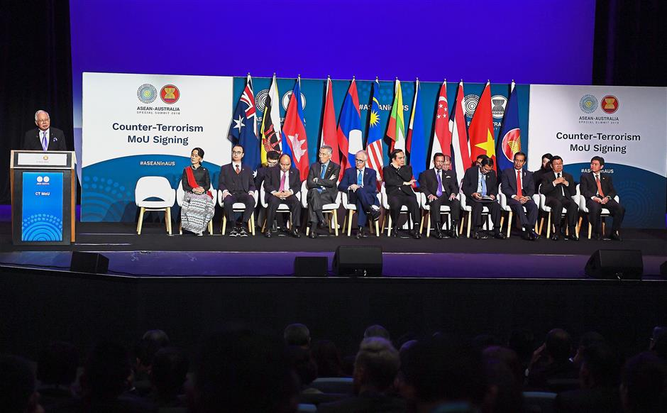 Full attendance: Najib delivering his keynote address at the Counter-Terrorism MoU signing ceremony during the Asean-Australia Special Summit 2018 in Sydney. — Bernama