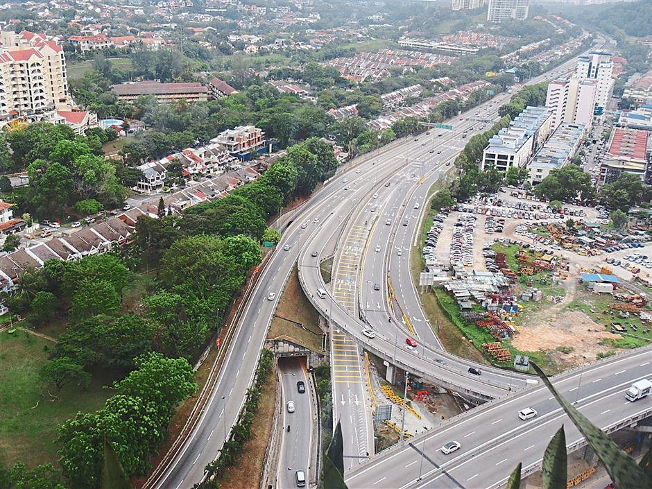 After the new traffic system was implemented, the roads in this area are now quite clear as statistics have shown.