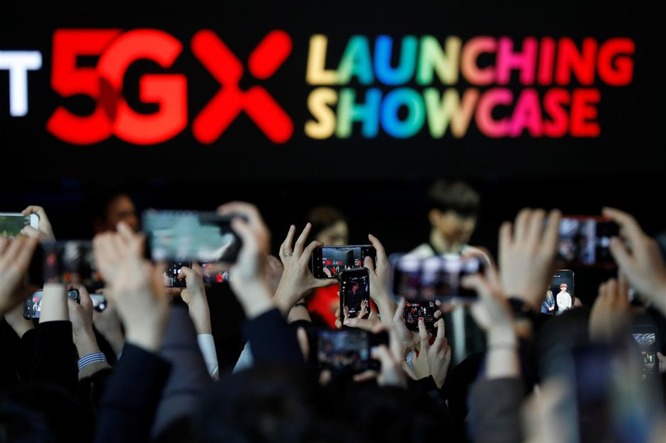South Korea first to roll out 5G services, beating US and China