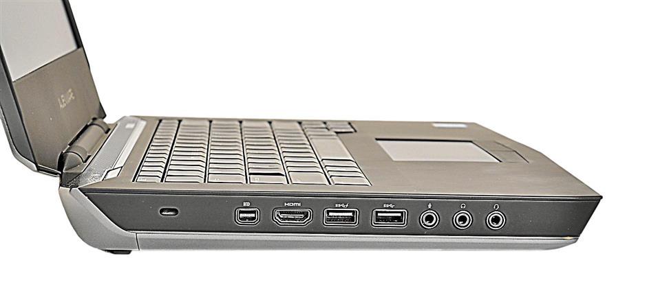 Alienware 14 includes 3 USB ports, HDMI port, and audio jacks