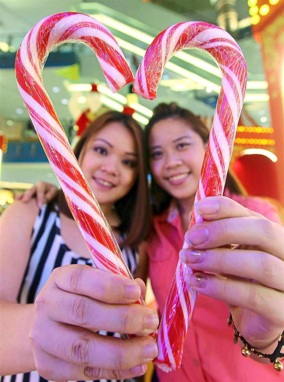 7. Candy canes - There is no historical record of how candy canes came about, but one popular legend attributes this to the choirmaster of Cologne Cathedral, Germany in 1670.Top 10 story: 10 Christmas traditions origins. Photo taken at Sunway Pyramid.