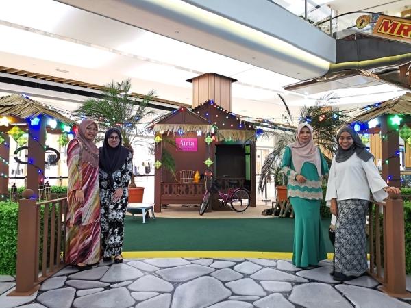 "Atria Shopping Gallery in Damansara Jaya adds a warm touch to the season with its ""Fun-Tastic Hari Raya"" theme."