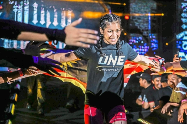 Jihin wants to prove those who think fight sports is not for women wrong.