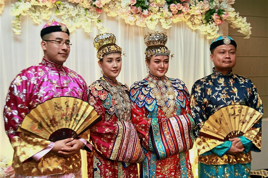 Sisters get hitched in Peranakan ceremony | The Star Online