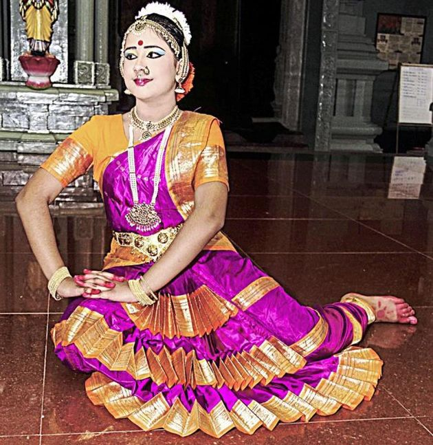 Grand graduation ceremony for nine Bharathanatyam students | The