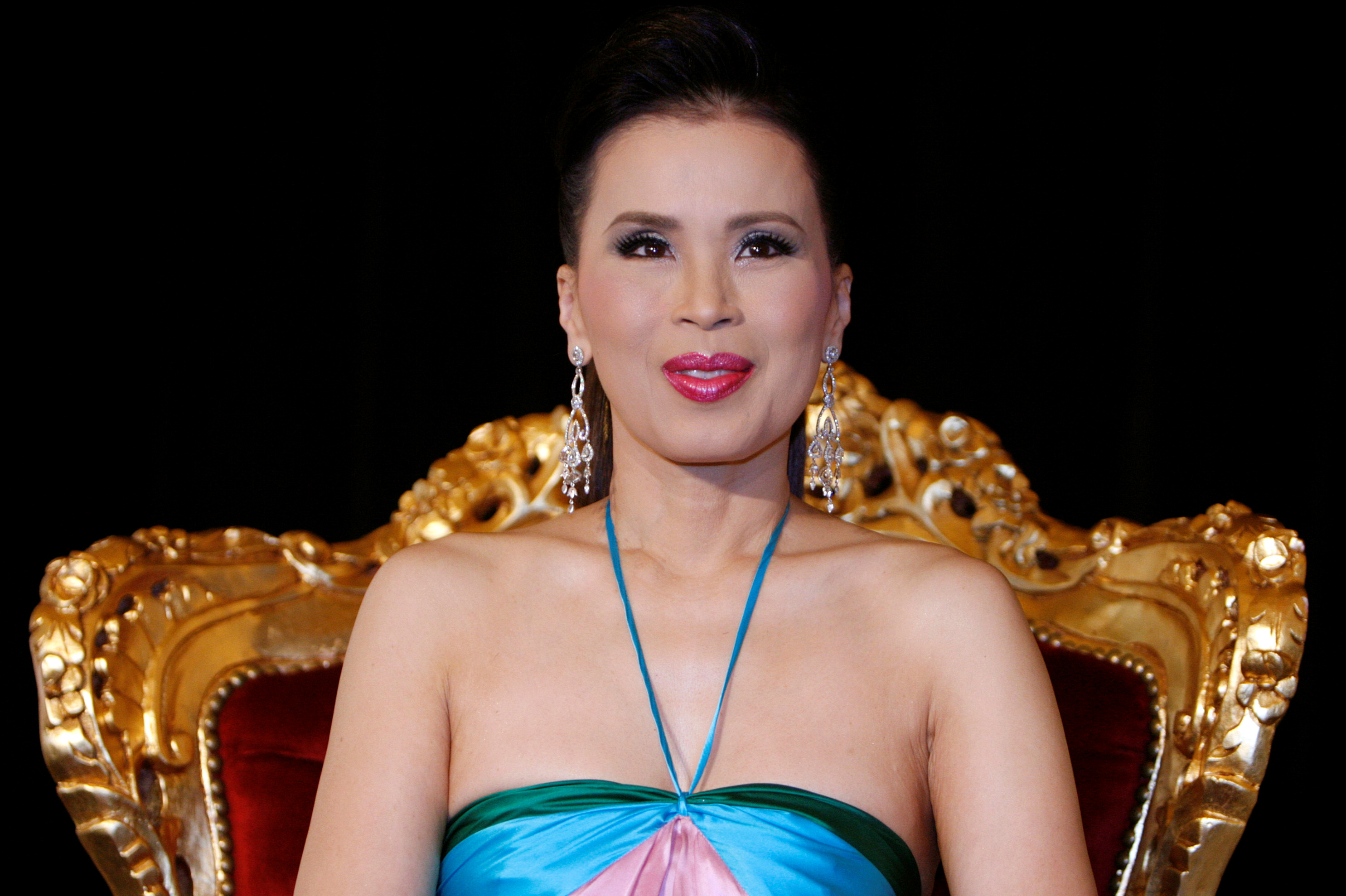 Thai princess says #ILoveYou to fans after king opposes her