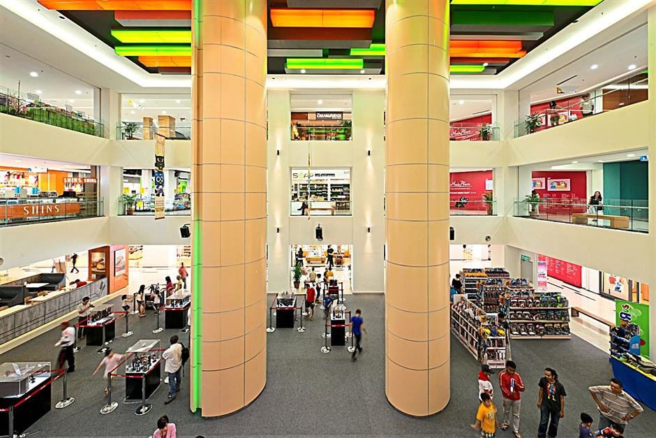 The mall has a nett lettable space of 250,000sq ft with every floor planned and designed to meet shoppers needs.