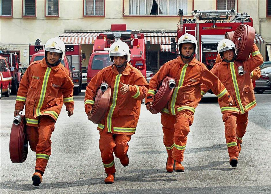 Panas Malaysian Fire And Rescue Department Releases Hot 2015 Calendar Latest Entertainment News The New Paper